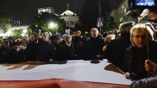 Тысячи граждан Польши вступились за судей