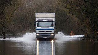 Os rios inundaram as estradas - Lugo, Galiza, Espanha