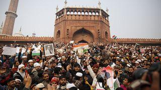 تجدد المواجهات بين المتظاهرين والشرطة في الهند والسبب الجنسية