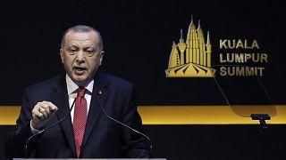 الرئيس التركي رجب طيب إردوغان خلال حديثه في قمة كوالالمبور بماليزيا 2019/12/19