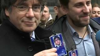 Teilerfolg für Puigdemont: Separatist darf ins EU-Parlament