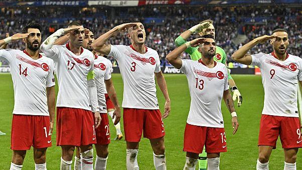 UEFA'dan A Milli Takım'a 'asker selamı' cezası kınama; TFF'ye 50 bin euro para cezası