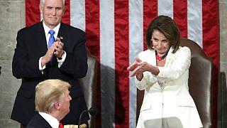 پلوسی در میانه کشمکش استیضاح از ترامپ برای ایراد سخنرانی دعوت کرد
