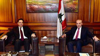 دياب يبدأ مشاوراته لتشكيل حكومة لبنانية غداة صدامات بين الجيش وأنصار الحريري