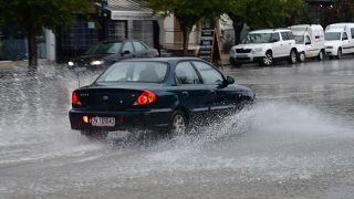 Πλημμύρισαν οι δρόμοι στο κέντρο της πόλης του Ναυπλίου από την ξαφνική καταιγίδα που έπληξε την πόλη, Τρίτη 26 Νοεμβρίου 2019. ΑΠΕ-ΜΠΕ/ΑΠΕ-ΜΠΕ/ΜΠΟΥΓΙΩΤΗΣ ΕΥΑΓΓΕΛΟΣ