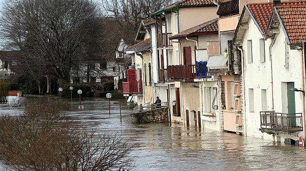 ثمانية قتلى في إسبانيا والبرتغال ومفقود في فرنسا بسبب سوء الأحوال الجوية