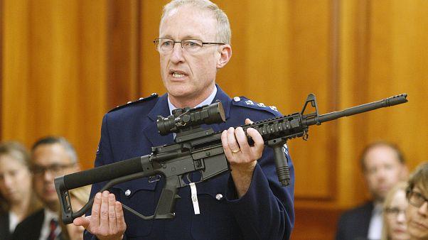 Yeni Zelanda 50 bin silah teslim edildi