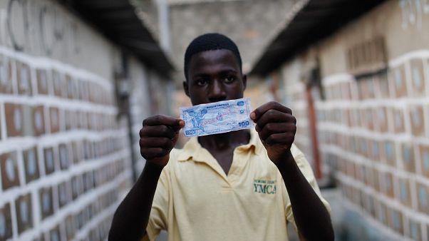 Afrika ülkeleri 74 yıllık Fransız sömürge parası CFA frangını bırakıyor