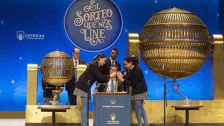 """الإعلان عن جائزة يانصيب """"السمينة"""" في مدريد"""