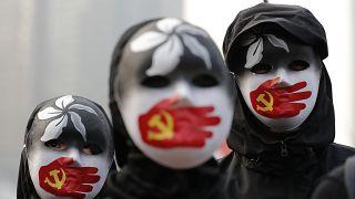 Nuove proteste a Hong Kong: stavolta a favore degli uiguri, minoranza musulmana cinese