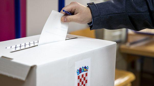 Σε δεύτερο γύρο οι προεδρικές εκλογές