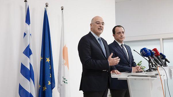 Ο υπουργός Εξωτερικών Νίκος Δένδιας (Α) και ο Κύπριος υπουργός Εξωτερικών, Νίκος Χριστοδουλίδης (Δ) κάνουν δηλώσεις στη Λάρνακα , Κύπρος, Κυριακή 22 Δεκεμβρίου 2019.