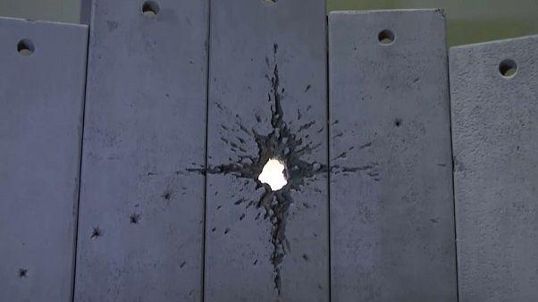 Banksy: Krippe mit Einschuss
