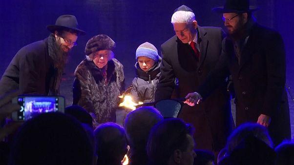 Hannukah: Germany's Jews celebrate the start of Festival of Lights