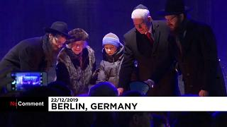 La communauté juive de Berlin célèbre le début de l'Hanouka