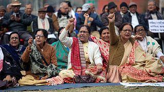 Hindistan'da ana mulefet partisi tartışmalı vatandaşlık yasasına karşı sessiz eylem düzenledi