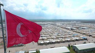 Göç İdaresi'nden 'önceden belirlenen Suriyelilere vatandaşlık veriliyor' iddiasına cevap