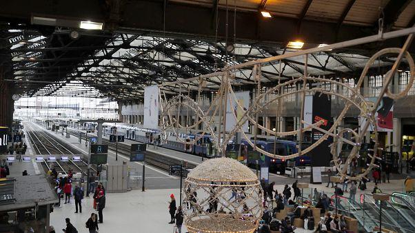 La huelga ferroviaria en Francia continúa a pesar de Navidad