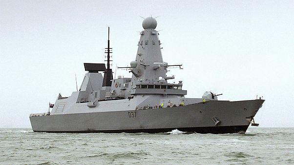 ناو بریتانیا مواد مخدر به ارزش ۴ میلیون دلار را در خلیج عمان توقیف کرد