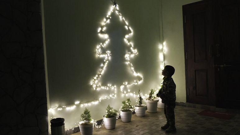 Ты не один: праздники подчеркивают масштаб проблемы одиночества в Европе