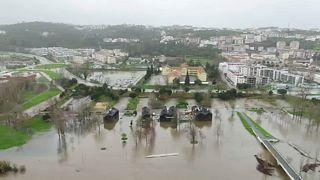 Feuerwehr im Dauereinsatz: Das Wetterchaos in Südeuropa