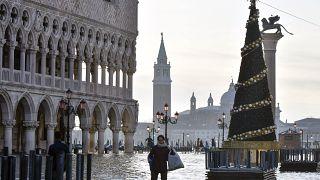 Το φράγμα «Μωυσής» στη Βενετία