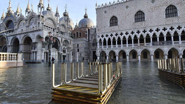 La Place Saint-Marc de Venise sous les eaux, le 23 décembre 2019