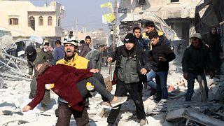 Suriye'de ordu birliklerinin İdlib'de sivil yerleşimlere yönelik hava saldırılarında 8 sivil hayatını kaybetti, en az 20 sivil yaralandı
