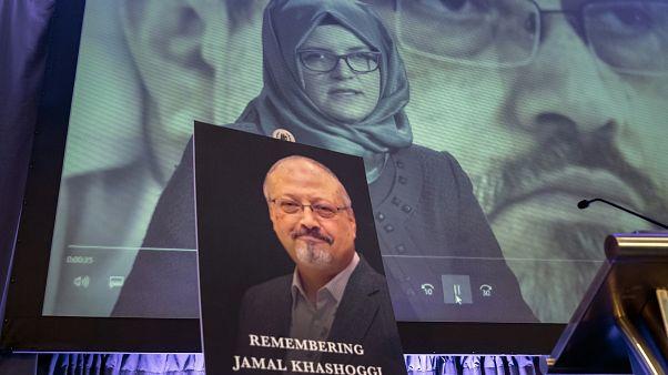 Archivfoto von Jamal Khashoggi und seiner Verlobten