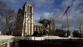 Çatısı yanan Notre Dame'da Napolyon döneminden bu yana ilk kez Noel ayini düzenlenmiyor