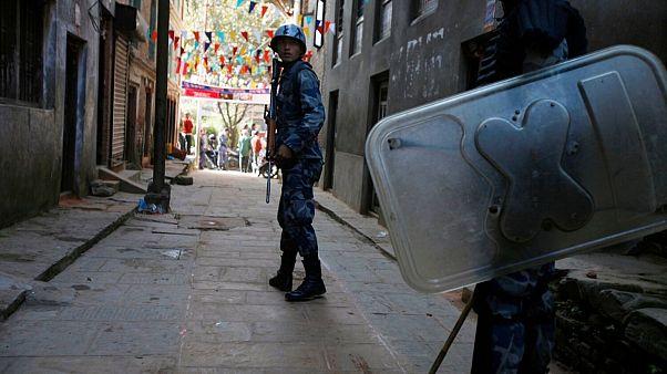 نپال ۱۲۲ چینی مظنون به ارتکاب جرایم سایبری و کلاهبرداری را بازداشت کرد