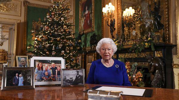 II. Erzsébet bizakodó, de nem elégedett