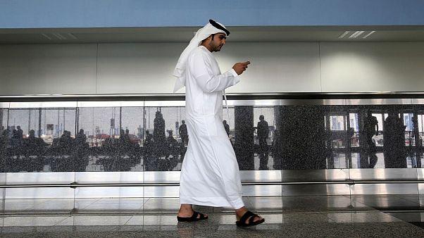 اپل و گوگل اپلیکیشن پیامرسان اماراتی را به ظن جاسوسی از کاربران حذف کردند