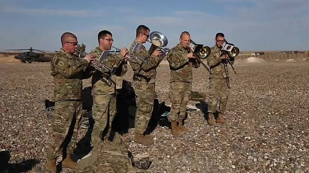 شاهد: احتفالات قوات الجيش الأمريكي في سوريا والعراق بعيد الميلاد