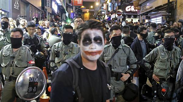 Hong Konglu protestocularla Çinli milliyetçiler kozlarını GTA video oyununda paylaşıyor