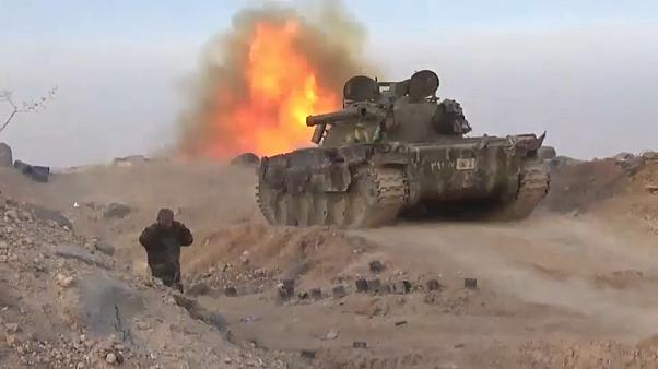 قوات النظام السوري تحاصر مركز مراقبة تركي وتواصل عملياتها في إدلب