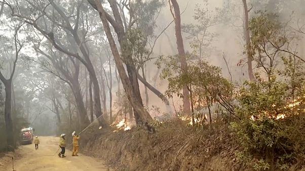 Αυστραλία: Οι πυροσβέστες περνούν τα Χριστούγεννα συνεχίζοντας τη μάχη με τις φλόγες