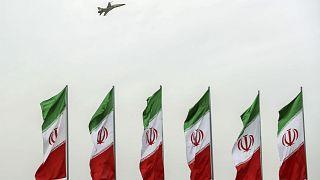 İran'a ait savaş uçağı test uçuşu sırasında düştü