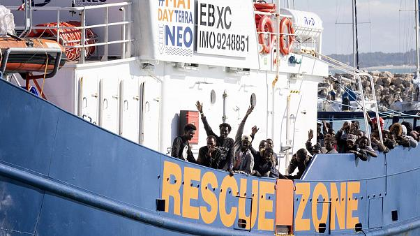 İspanyol kurtarma gemisi 'Aita Mari' Sicilya adasında