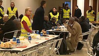 Бездомные отметили Рождество в мечети