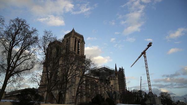 Hay 50% de posibilidades de que la estructura de Notre Dame no pueda ser salvada, según el deán