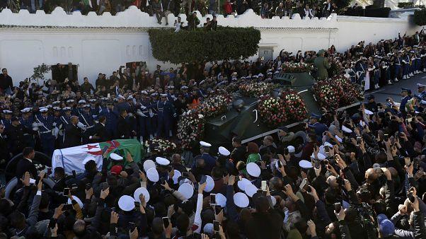 تشييع جثمان رئيس الأركان الجزائري السابق أحمد قايد صالح في الجزائر 25 ديسمبر 2019
