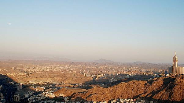 مقتل شخصين ملاحقين في تبادل لإطلاق النار مع قوات الأمن في شرق السعودية