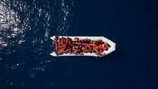 إنقاذ حوالي 200 مهاجر عشية عيد الميلاد قبالة السواحل الإسبانية