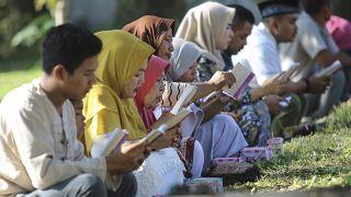 Homenagem às 230 mil vítimas do sismo e tsunami de 2004