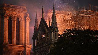 Paris'in simgesi tarihi Notre Dame Katedrali'ni kurtarma şansı yüzde 50