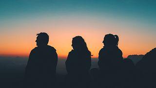 11 % der Erwachsenen haben keine engen Freunde
