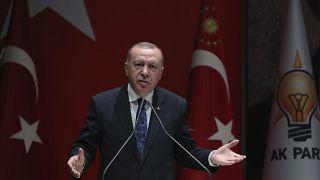 الرئيس التركي رجب طيب أردوغان يخاطب أعضاء حزبه الحاكم، في أنقرة -الخميس 26 كانون الأول ديسمبر 2019