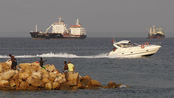 FMI revê dívida pública de Angola para 111% este ano