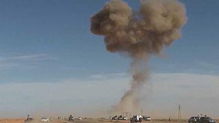 Libia: raid aerei su Zawiya, Tripoli in pressing sulla Tunisia